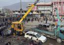 Almeno 9 persone sono morte per l'esplosione di un'autobomba a Kabul, in Afghanistan