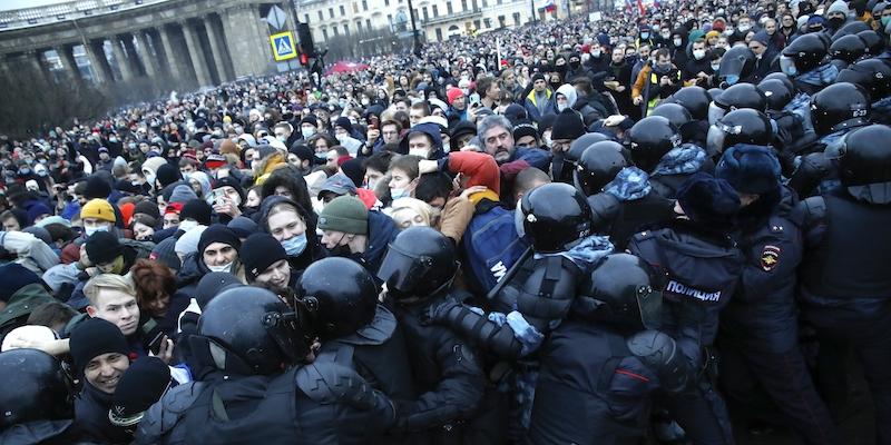 Le enormi proteste in Russia contro Putin