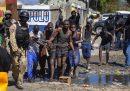 400 detenuti sono fuggiti e 25 persone sono state uccise durante un'evasione di massa da un carcere di Haiti