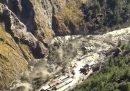 Nello stato dello Uttarakhand, in India, si è rotta una diga che ha provocato una grande alluvione: ci sono almeno 8 morti