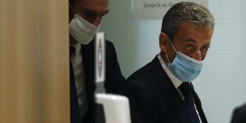 Nicolas Sarkozy è stato condannato a tre anni di carcere