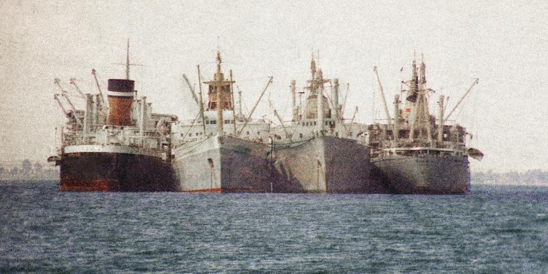 Le navi che rimasero bloccate otto anni nel canale di Suez