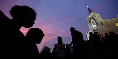 """La Malaysia ha stabilito che i cristiani possono usare la parola """"Allah"""" per definire Dio"""