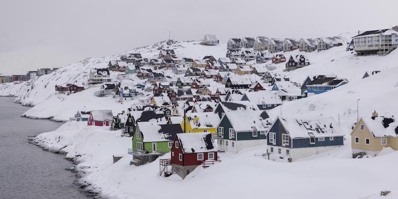 La Groenlandia deve decidere che fare di una montagna piena di metalli rari e uranio