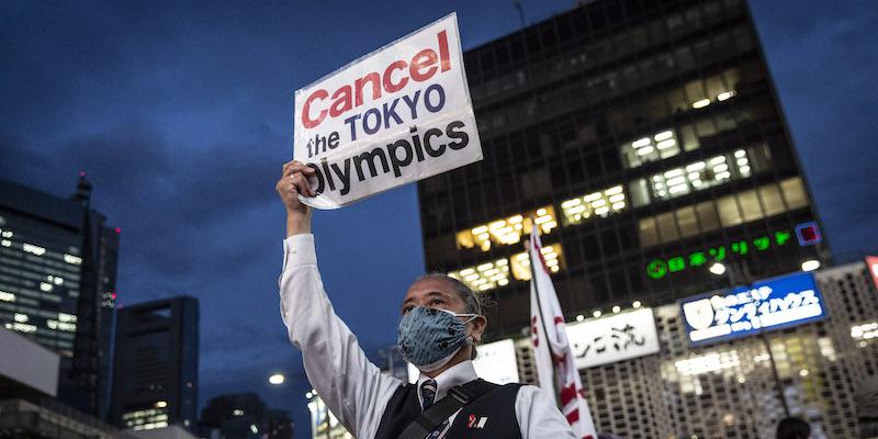 I guai del governo del Giappone con le Olimpiadi di Tokyo