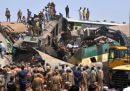 Almeno 40 persone sono morte e altre decine sono state ferite in uno scontro tra due treni nel sud del Pakistan